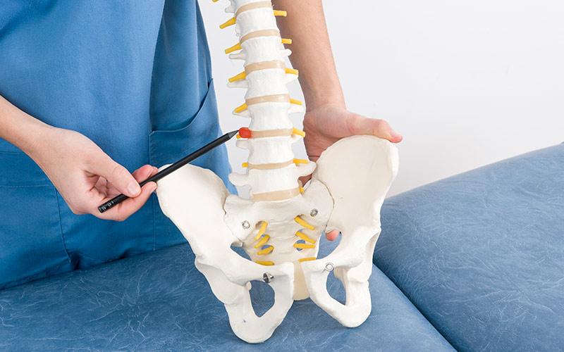 Ernia del disco: cause, sintomi, trattamenti
