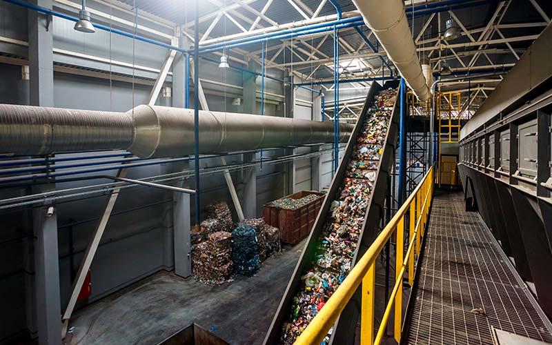 Come si sviluppa la gestione dei rifiuti urbani in Italia